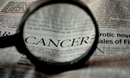 Top 7 Commonly Ignored Signs of Cancer For Men and Women